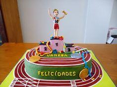 Tartas Infantiles de Camelia: Tarta Atletismo Running Cake, Sports Birthday Cakes, Gymnastics Cakes, Thank You Cake, Cake Structure, Sport Cakes, Brunch Wedding, Cake Pictures, Happy Foods