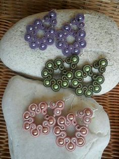 Sweet trio of Soutache Earrings… Soutache Earrings, Beaded Earrings, Shibori, Soutache Tutorial, Thread Bangles, Beaded Jewelry Patterns, Polymer Clay Earrings, Beaded Embroidery, Jewelry Crafts
