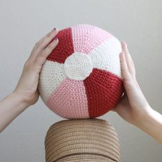 Make a cute little beach ball pillow to bring some summer into your home. thanks so for share xox https://www.pinterest.com/peacefuldoves
