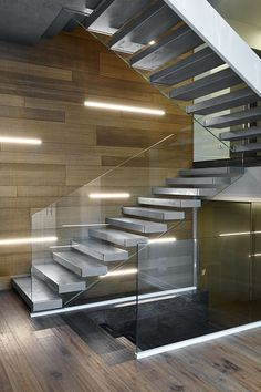 10 Stairway Lighting Ideas that Will Impress You Spiral Stairs Design, Staircase Design, Glass Stairs, Floating Stairs, Contemporary Stairs, Modern Stairs, U Shaped Stairs, Stairway Lighting, Ceiling Lighting