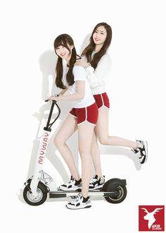 G-Friend YeRin and ShinB