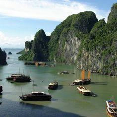 Ha Long Bay - Viet Nam, Province: Quang Ninh - © Lionel Lalaité