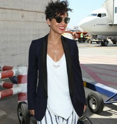 Alicia Keys Style: 12 Of Her Best Airport Looks | MommyNoireMommyNoire