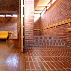 oriolvm_jyvaskyla_7_low Alvar Aalto, Patio Interior, Arch Interior, Interior And Exterior, Brick Architecture, Amazing Architecture, Helsinki, Farm Village, Modern Masters