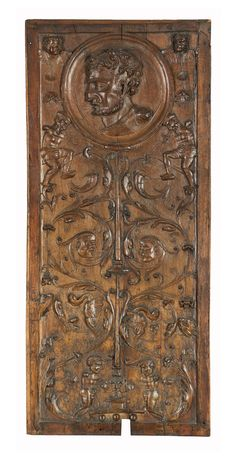 Panel with a medallion, 1st half of the 16th century, France. Museum of Decorative Arts, Paris #grotesques #decor #sculpture #furniture #antique #french #MarcMaison