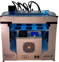 Sixer. 3D printer FDM for print in series.Six extruders. six prints in the time of a single print. www.i3d.it