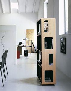 Open double-sided #bookcase Arne Collection by B&B Italia @bebitalia // von zwei Seiten nutzbares #Bücherregal