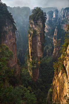 Скалы в Национальном парке Чжанцзяцзе, Китай