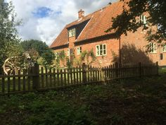 Secluded & Spacious Country Retreat - Waveney - Cottages for Rent in England, England, United Kingdom Norwich Cathedral, Saint Helena, Norfolk Broads, Great Yarmouth, Stoves, Traditional Design, Cottages, Kayaking, Acre