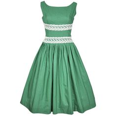 vintage green and white lace sun dress! perfect for an outdoor tea party