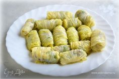 Нежные голубцы из пекинской капусты.  Голубцы из пекинской капусты очень нежные, а процесс их приготовления занимает крайне мало времени. Начинка может быть любой, начиная от овощей с грибами, заканчивая перловкой и чечевицей. Отличный вариант блюда к обеду! #готовимдома #едимдома #кулинария #домашняяеда #голубцы #нежные #пекинская #капуста #обед #сытно #вкусно
