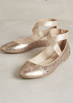 cute gold ballet flats http://rstyle.me/n/qyvwdr9te