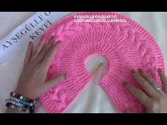 Learn to Knit a Raglan حردة الرجلان Crochet Knitting - Side rope construction on baby's vest How to Make Baby Blanket with Bonbon Candy Knitting Model? Crochet girl dress very easy Woolen frock for baby girl Baby Knitting Patterns, Crochet Stitches Patterns, Crochet Motif, Knitting Stitches, Knitting Designs, Stitch Patterns, Knit Crochet, Crochet Hooded Scarf, Knitted Baby Cardigan