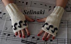 Knit Music Notes Fingerless Gloves Cream White Mittens Hand Wrist Warmers