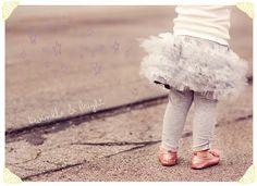 DIY tulle skirt...NOT a tutu http://www.sewinginnomansland.com/2011/12/01/twinkle-and-bright-skirt-leggings/
