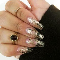 21 Stunning Gold Foil Nail Designs to Make Your Manicure Shine ★ Transparent Mani with Gold Foil Picture 1 ★ See more: http://glaminati.com/gold-foil/ #goldfoilnails #goldfoilnailart