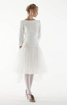 Robe de mariée courte et manches longues - Robe Orlane Herbin 2012 - modèle Get Back - La Fiancée du Panda Blog Mariage & Lifestyle