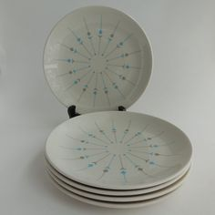 These five Pinwheel pattern Salad Plates from Knowles China Company were created by award winning designer Erwin Kalla, circa the The Modern Dinnerware, China Patterns, Mid Century Style, Salad Plates, Appetizers For Party, Vintage China, Pinwheels, Midcentury Modern, Home And Living