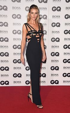 Rosie Huntington-Whiteley from British GQ Men of the Year Awards Red Carpet Fashion Hot mama! The celeb rocks a bondage-inspired Versace gown to the 2018 British GQ Men of the Year Awards. Home Fashion, Fashion Mode, Star Fashion, Mens Fashion, Rosie Huntington Whiteley, Celebrity Red Carpet, Celebrity Look, Celebrity Gowns, Jessica Alba