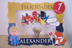 cumpleaños tematico de el principito - Buscar con Google The Little Prince Theme, Little Prince Party, Baby First Birthday, First Birthday Parties, First Birthdays, New Years Eve Party, Photo Booth, Babyshower, Costa Rica
