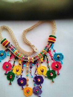 Bayanlar için örgü kolyeler – Gulsum Seyhoglu – Join the world of pinThis Pin was discovered by Bin~ crochet jewelry with handmade beads ~ Bead Crochet, Crochet Crafts, Crochet Projects, Textile Jewelry, Fabric Jewelry, Knitted Necklace, Crochet Earrings, Crochet Jewellery, Beaded Necklace