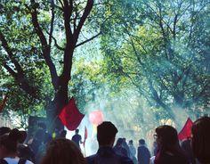 cladelcroix:  Manif de chiffons rouges  2 #greve #strike...