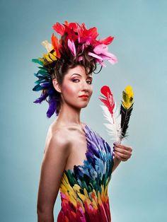 Laüra Hollick as Soul Art Shaman. Hair & Makeup by Sue Upton. Photo by Stephanie Bell. Parrot Costume, Bird Costume, Halloween Kostüm, Halloween Costumes, Burlesque Costumes, Bird Makeup, Animal Makeup, Mardi Gras Costumes, Rainbow Photo
