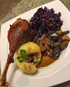 Roast goose à la Frl. Crab Recipes, Eat Your Heart Out, Cordon Bleu, Cool Kitchens, Roast, Brunch, Food And Drink, Healthy Eating, Yummy Food