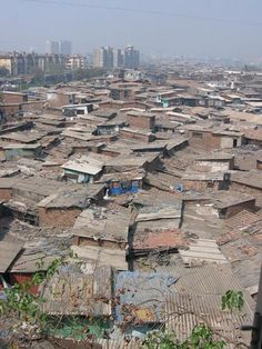 Dharavi Slums - the largest slums in Asia, with more than one million people, in a city where the 99% are dirt poor! 1 out of every 1400 toilets works properly!