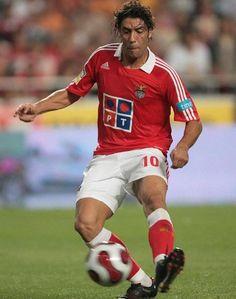 Rui Costa. Football Icon, Football Love, Football Uniforms, World Football, Football Players, Rui Costa, Naval, Sports Clubs, Soccer