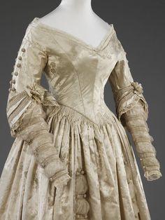hoopskirtsociety:  Wedding dress c. 1841