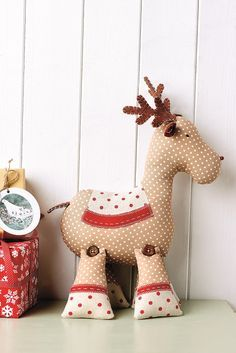 Sewing Projects This is Roger the reindeer! Stitch him in time for Christmas (Sew mag, issue - When the weather gets nippy, cosy up with Jenny Arnott's hot floral Christmas Sewing Projects, Diy Sewing Projects, Christmas Crafts, Christmas Decorations, Christmas Ornaments, Sewing Tips, Sewing Ideas, Free Sewing, Sewing Tutorials