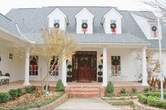 Merry Christmas, Darling! Holiday Home Tour 2014  lovely house decked out for Christmas
