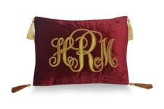Velvet Cushion, Wedding Monogram Pillows, Gold Pillow, Pillow, Customized Pillows, Anniversary Gifts, Decorative Pillow Cases, Throw Pillow This gorgeous velvet pillow cases with golden embroidery is a perfect gift for the ones who are obsessed with gold. This classy customized pillow is
