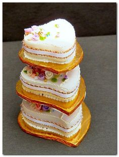 - Weddings Bells Miniature cake