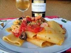 Paccheri tonno, pomodorini, olive, capperi, ricetta primi piatti