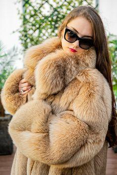 Beige Regular Size XL Coats, Jackets & Vests for Women for sale Fox Coat, Fox Fur Jacket, Parka Coat, Long Fur Coat, Coat Outfit, Fabulous Fox, Great Women, Mink Fur, Fur Fashion
