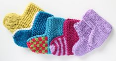 Free Baby Socks Knitted Flat On Two Needles Free Knitting ! chaussettes bébé gratuites tricotées à plat sur deux aiguilles tricot gratuit Easy Baby Knitting Patterns, Baby Booties Knitting Pattern, Crochet Baby Booties, Knitting Socks, Knit Crochet, Free Knitting, Knitted Baby, Knitting Needles, Two Needle Socks