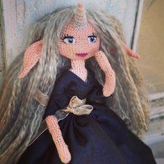 Мне нравятся фигуристые, миниатюрные куколки с рогами, хвостами и большими ушами. А вам какие куклы нравятся? #weamiguru #amigurumi #faurikdolls #crochetdoll #handmade #crochet #amigurumidoll #вязанаякукла #hobby #рукоделие #амигуруми