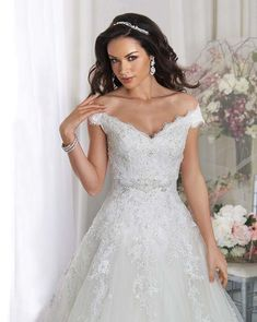 Browse the latest collections from Bonny Bridal wedding dresses & gowns. Find your dream dress. Bonny Bridal Wedding Dresses, Wedding Dress Styles, Bridal Gowns, Bridesmaid Dresses, Perth, Wedding Dress Accessories, Dream Wedding, Wedding Dreams, Mariage