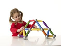 SmartMax Basic - A fun way for young children to discover the world of magnets safely and construct their own unique structures. #STEM #gift #ideas #holiday #shopping