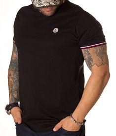 Moncler Tricou Classic Logo - Negru   Tricouri cu guler rotund   Tricouri   Brande Moncler, Polo Shirt, Classic, Model, Mens Tops, Shirts, Fashion, Embroidery, Derby