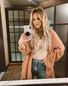 What are Balayage Highlights? 14 Perfect Examples for 2019 - Style My Hairs Highlights Curly Hair, Red Balayage Hair, Brown Hair With Highlights, Balayage Highlights, Medium Brown Hair, Short Brown Hair, Light Brown Hair, Dark Hair, Becca Tilley