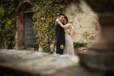 Wedding Couple, Wedding Photography, Wedding Photographer, Wedding Inspiration, Wedding Photoshoot, Wedding, Bride, Groom, Posing Wedding Couples, Wedding Bride, Wedding Dresses, Photographer Wedding, Wedding Photography, Wedding Photoshoot, Bride Groom, Wedding Inspiration, Poses