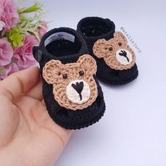 The Best Crochet Shoes For Kids - Diy Crafts - Marecipe Crochet Baby Boots, Crochet Baby Sandals, Booties Crochet, Newborn Crochet, Crochet For Boys, Crochet Shoes, Crochet Slippers, Cute Crochet, Diy Crafts Knitting