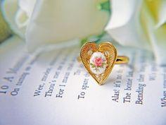 Vintage Heart Shape Ring In Gold. Vintage Pink