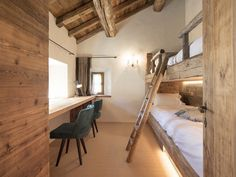 View full picture gallery of Chesa Maria – La Punt St.Moritz View full picture gallery of Chesa Maria – La Punt St. Chalet Design, House Design, Loft Design, Cottage Design, Design Model, Design Design, Restoring Old Houses, Chalet Interior, Attic Rooms