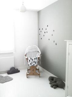minimal nursery white+grey