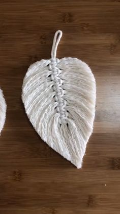 Diy feather leaf by using ropes diy diyjewelryeasy diyjewelryholder diyjewelrymaking feather leaf ropes using 26 handmade gift ideas for him diy gifts he will love for valentines anniversaries birthday or any special occasion involvery Diy Crafts Hacks, Rope Crafts, Diy Home Crafts, Diy Arts And Crafts, Yarn Crafts, Sewing Crafts, Diy Projects, Creative Crafts, Crayon Crafts
