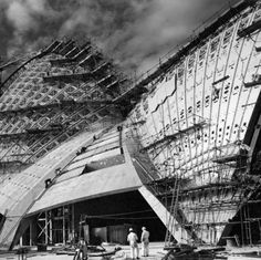 Sydney Opera House , 1966 Por Jørn Utzon Foto: Max Dupain (Powerhouse Museum collection)